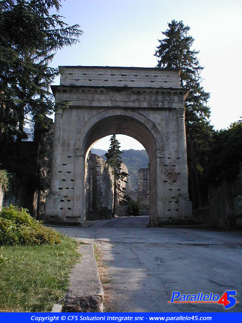 Susa (TO): Arco d'Augusto